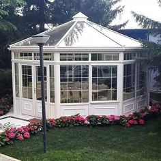 "If you want to enjoy the garden or the balcony in winter, winter garden preparations are waiting for you. We searched for winter garden models and "" decoration Aluminum Pergola, Garden Gazebo, Seasonal Flowers, Pergola Designs, Pergola Plans, Back Gardens, Home Builders, Home And Garden, Backyard"