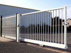 Portones Industriales | PORTONES ELECTRICOS Sliding Gate, Home Projects, South Africa, Home Improvement, Sweet Home, Home Appliances, Exterior, Metal, Gates