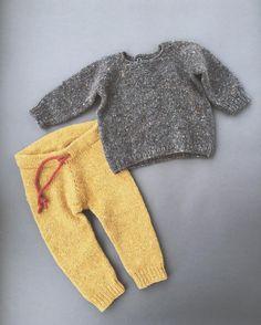 Комплект для одной девочки на самом деле  Soft Donegal Knoll двойной  от @galya_lukina @manefaknits. Свитер весит 117 г. Штанишки 110г. Для размера 6-12 месяцев. Напомню , что не стоит брать ровно-ровно по граммам, берите с запасом всегда. . Инструкция штанишек продаётся на сайте, ссылка в инфо☝ #maria_levine_инструкции . #свитер_для_этого_мальчика #костюмчик_для_этого_мальчика #softdonegaltweed_manefa #softdonegaltweed