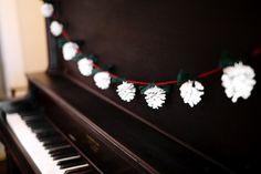 Pinecone garland #christmas
