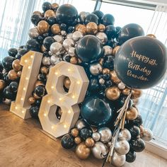 18 Birthday Party Decorations, Balloon Decorations Party, 18th Birthday Cake, Ideas For 18th Birthday, 18th Birthday Decor, 18th Birthday Party Outfit, Boy 16th Birthday, 18th Party Ideas, Birthday Goals