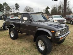 1982 Toyota Pickup 2 Dr SR5 4WD Standard Cab Toyota Hilux, Toyota Cars, Toyota Trucks, Toyota Tundra, Toyota Tacoma, Toyota Pickup For Sale, Toyota Pickup 4x4, Mini Trucks, 4x4 Trucks