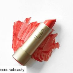 Día gris...labios rojos  En cuanto pueda me pongo con la lista de los participantes del sorteo. Que tengáis buena tarde   Could there be a better lippie for hot summer weather? Just a swipe of Shell Shock from ILIA Beauty and we're ready to  take on the day! What color are you beauties wearing today?  #ILIAbeauty #ilia #ilialipstick #lipstick #lipsticks #pintalabios #labial #labiales #naturalcosmetics #naturalcosmetic #naturalmakeup