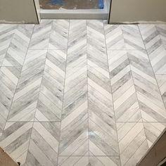 22 Cute Shower Curtains for the Bathroom Chevron Bathroom, Chevron Tile, Bathroom Floor Tiles, Shower Floor, Herringbone Tile Floors, Small Bathroom Storage, Tile For Small Bathroom, Kitchen Flooring, Entryway Flooring