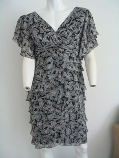 ADRIANNA PAPELL Dress Tiered Layered Party V-neck Black White Size 12 NWOT