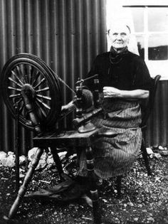 scotland crofter | ... Scotland Photographs: Old Photograph Crofter Spinning Wool Scotland