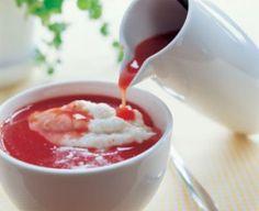 Samettinen mannapuuro ja mansikka-ruusunmarjakiisseli, Kuva: Sydämeni keittiössä, kustannusosakeyhtiö Avain