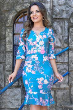 Muito bonita BBG lindo dress elegantes Love This 💋💋💋💋💋💋😋😋😋💘💘💘💘💋😋😋💋 Frock Patterns, Clothing Patterns, Dress Outfits, Casual Dresses, Short Dresses, Modest Fashion, Fashion Dresses, Batik Fashion, Diva Fashion