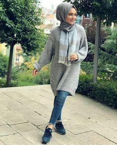 Winter knitted hijab outfits – just trendy girls muslim women fashion, islamic fashion, moda Muslim Women Fashion, Modern Hijab Fashion, Islamic Fashion, Fall Fashion Outfits, Girl Fashion, Winter Tops For Girl, Modele Hijab, Hijab Collection, Hijab Trends