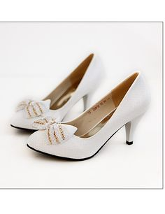 Bowknot Embellished Low Heels Pumps White CD11040710-1http://www.clothing-dropship.com