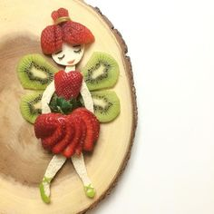 Strawberries & kiwis always compel me to make som - Food Carving Ideas Cute Food, Good Food, Fruits Decoration, Food Art For Kids, Food For Children, Food Carving, Snacks Für Party, Best Fruits, Fruit Art