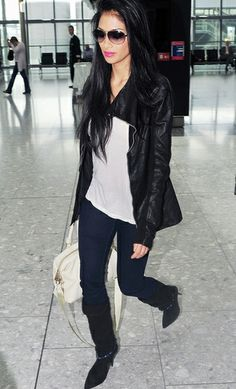 Nicole Scherzinger is seen here in Isabel Marant Franklin Linen Canvas Boots which has a contrasting black heel of 4 inch. The pointed toe & chain at the ankle adds class in entirety. Celebrity Style Inspiration, Celeb Style, Great Women, Amazing Women, Wardrobe Makeover, Women In Music, Nicole Scherzinger, Celebs, Celebrities
