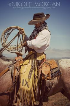 Cowboy Gear, Cowgirl And Horse, Cowboy Up, Cowgirl Chic, Hot Cowboys, Real Cowboys, Gaucho, Westerns, Cowboy Photography