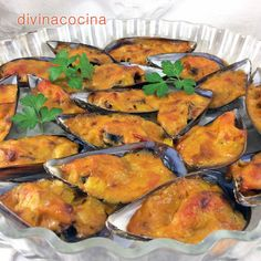 Mejillones gratinados < Divina Cocina Seafood Dishes, Fish And Seafood, Seafood Recipes, Cooking Recipes, Healthy Recipes, Tapas, International Recipes, Tasty Dishes, My Favorite Food
