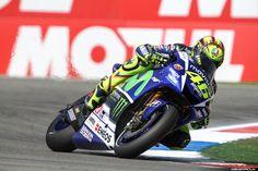 MotoGP Assen 2015 | Circuitpics.nl, je eigen circuitfoto's voor een scherpe prijs! Motogp, Circuit, Cool Pictures, Motorcycle, Motorcycles, Motorbikes, Choppers