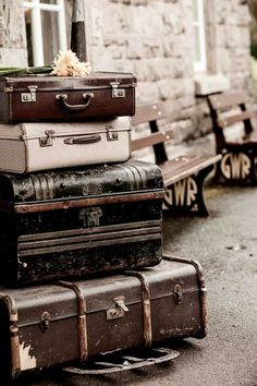 Vintage suitcases ~ Ana Rosa