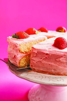 Gluten-free buttermilk cake with strawberry buttercream icing by Denise O'Callaghan. Strawberry Buttercream, Buttercream Icing, Strawberry Cakes, Gluten Free Bakery, Gluten Free Recipes, Cheesecake, Desserts, Food, Tailgate Desserts