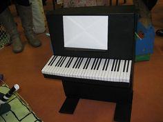 Zingen voor Sinterklaas gaat zeker lukken met deze piano surprise. Leuk en creatief idee!