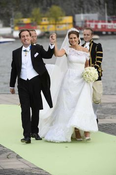 MYROYALS  FASHİON: Wedding of Princess Madeleine and Chris O'Neill-June 8, 2013-peek at the bride's shoes