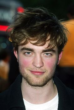 And just some proof that he's always looked like a beautiful, perfect acorn.   6 Acorns That Look Like Robert Pattinson