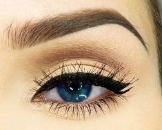 winged eyeliner + defined brows.