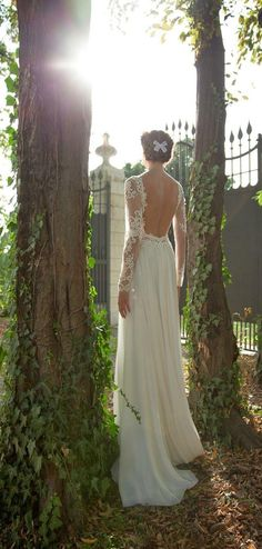 Love the idea of a long sleeve wedding dress