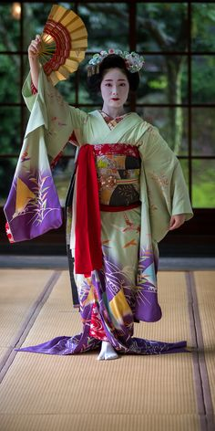The Kimono Gallery : Photo Geisha Japan, Geisha Art, Kyoto Japan, Okinawa Japan, Japanese Costume, Japanese Kimono, Yukata, Japanese Beauty, Asian Beauty