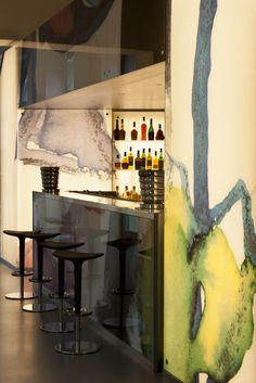 Balì Bar, the bar located inside the historic building under the canopy of frescoed ceilings with Liberty drawings, is the ideal place to take a break and dedicate it to others or to yourself, at any time of day. www.lido-palace.it