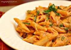 PENNE A LA VODKA  This A classic, traditional comfort food is made with tomatoes, onions, garlic, vodka, cream and cheese and just soothes the soul.  #penne #vodka #pasta