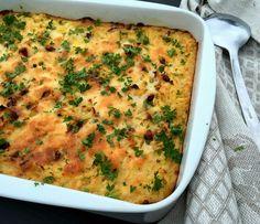 Kartoffelgratin med bacon, løg og ost…