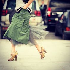 #rightnow on #le21eme #taylortomasihill after @maisonvalentino #valentino #fw13 #fashionshow #during #paris #fashionweek #pfw #wearing #military #green #skirt with #mesh #street #style #streetstyle #fashion #adamkatzsinding  (à www.Le-21eme.com)