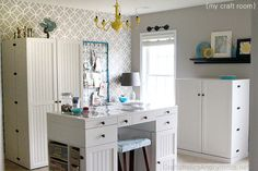 Sewing Room Design Ideas, Pictures, Remodel, and Decor - page 5 Love this Craft Room! So many great ideas for storage and 10 . Craft Desk, Craft Room Storage, Craft Organization, Storage Ideas, Organizing Crafts, Craft Tables, Office Storage, Fabric Storage, Closet Organization