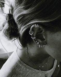 useful tips: Jewelry Vintage Avon jewelry making wire. - Amazing useful tips: Jewelry Vintage Avon jewelry making wire.Jewelry Vintage … -Amazing useful tips: Jewelry Vintage Avon jewelry making wire. Piercing Rook, Cute Ear Piercings, Piercing Tattoo, Septum Piercings, Piercings Bonitos, Cute Jewelry, Vintage Jewelry, Jewelry Accessories, Black Jewelry
