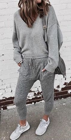 #fall #outfits gray v-neck sweater