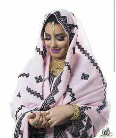 Baloch Women in baloch culture a baloch model Kutch Work Designs, Balochi Dress, Afghan Girl, Beauty Full Girl, Pakistan, Nice Dresses, Culture, India, Portrait