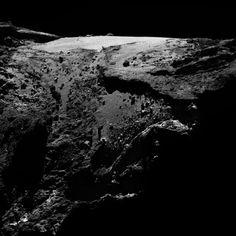 OSIRIS narrow-angle camera image taken on 23 April 2016, when Rosetta was 29.6 km from Comet 67P/Churyumov–Gerasimenko. The scale is 0.53 m/pixel. | Copyright ESA/Rosetta/MPS for OSIRIS Team MPS/UPD/LAM/IAA/SSO/INTA/UPM/DASP/IDA