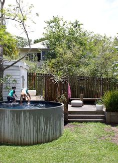 Above Ground Pool Ideas - In the summer, people like spending few hours in the swimming pool. However, you may hate the way your above ground pool looks in your backyard. Oberirdische Pools, Cool Pools, Swimming Pools, Tank Pools, Small Backyard Pools, Small Pools, Diy Pool, Indoor Pools, Pool Decks