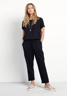 Casual styling made easy, this lightweight jumpsuit is our week-to-weekend outfit of choice. Roll up the ankle cuffs and style with our Twist skaters.