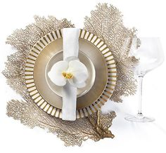 Inspired by nature and aquatic sea life, our Coral Placements make the perfect statement piece for a festive fete. Dinning Table Set, Dining Room Bar, Dining Decor, Beautiful Table Settings, Decoration Table, Dinnerware Sets, Home Decor Accessories, Table Linens, Placemat Sets