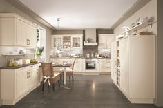 Timelessly kitchen - classically modern lines kitchen - Beautiful Kitchen - Classic kitchen - Lucca - Nobilia Nobilia Kitchen, Shaker Kitchen, Kitchen Living, Kitchen Cabinets, High End Kitchens, Home Kitchens, Lucca, Modern Cottage Style, German Kitchen