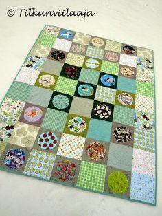 Tilkunviilaaja: Spotted Things Going on, toddler size quilt -- Täplikästä menoa - tilkkupeitto taaperolle