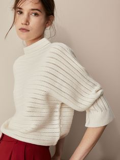 Effortless Elegant with Timeless Pieces Knitted Jackets Women, Cardigans For Women, Jackets For Women, Knitwear Fashion, Knit Fashion, Woman Fashion, Chunky Knitwear, Casual Outfits, Fashion Outfits