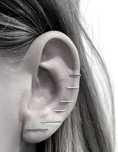 Ear party // #earrings #piercings #jewelry Lust darauf mit Schmuck Geld zu verdienen? www.silandu.de
