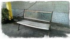 What's the story behind this bench? You tell us at www.onesentenceperiod.com.