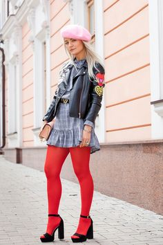I'm a Barbie girl, in a Barbie world ! Grunge Look, Grunge Style, 90s Grunge, Soft Grunge, Grunge Outfits, Colored Tights Outfit, Pink Tights, Opaque Tights, Tokyo Street Fashion