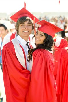 "I got ""Troy Bolton and Gabriella Montez_from High School Musical_""! school Party Answer These 11 Questions And We'll Reveal Which TV Couple You And Your S. Troy Bolton, Disney Channel, Gabriela Montez, Zac Efron High School, Zec Efron, Couple Graduation Pictures, Grad Pics, Hight School Musical, Gabriella High School Musical"