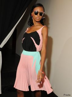 I NEED/WANT THIS DRESS IN MY HANDS RIGHT NOW! Pleats aplenty, from schoolgirl to sophisticated!!