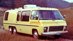 A classic GMC Motorhome. How's that strike your #RV fantasies?