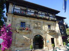Eines meiner Lieblingshotels auf unseren Motorradreisen. Es liegt in Spanien ... Mansions, House Styles, Home Decor, Sevilla Spain, World, Decoration Home, Manor Houses, Room Decor, Villas