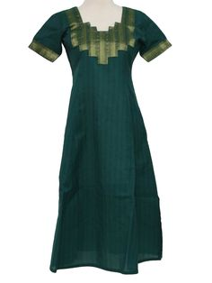 90s -No Label- Womens/Girls emerald green with black stripes and gold and green fabric patches along the neckline and cuffs of this beautiful Salwar Kameez Ethnic Hippie Dress or Tunic Top. Short sleeves, pullover design, squared neckline and large side slits for ease. (wear over pants due to high side slits).